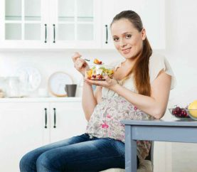 12 FOODS THAT SHOULD BE A PART OF EVERY PREGNANT WOMAN'S DIET