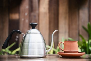 Green Tea vs Green Coffee: Which One Is Your New BFF To Weight Loss?