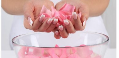 7 Beauty Benefits Of Rose Water