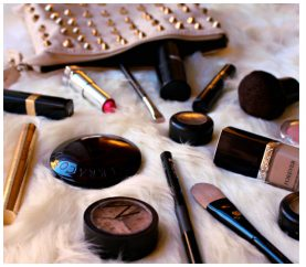 10 Makeup Products Every Woman Should Have In Her Bag