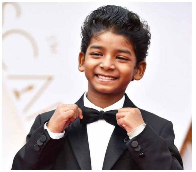 Every Celebrity Wanted A Selfie With This Little 'Lion' At The Oscars