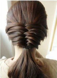 2.-very-preety-Simple-and-Easy-Hairstyles-for-Your-Daily-Look
