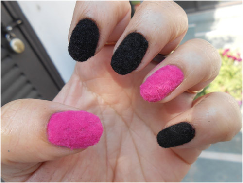 Twin-Colored-Velvet-Nail-Design
