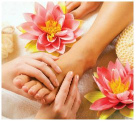 Easy Tips To Take Care Of Your Hands And Feet This Monsoon
