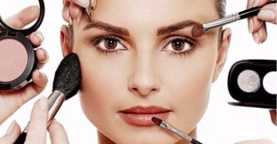 7 Make-up That Every Woman Must Own