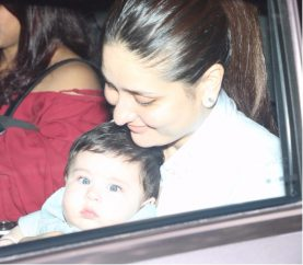 Kareena Kapoor Khan Celebrates Taimur's 7th Month Birthday