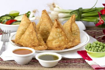 How To Make Irresistible Green Peas Samosas