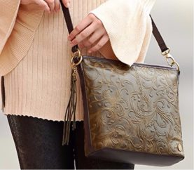 5 Ways To Accessorize Your Look With Bags and Clutches