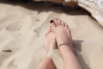 5 Types of Anklets Every Girl Must Own