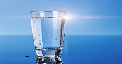 5 Signs That You Aren't Drinking Enough Water