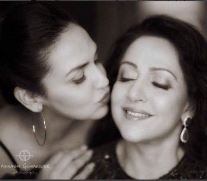 Esha Deol Shares A Beautiful Picture With Mother Hema Malini