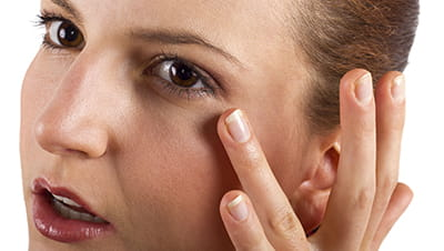 anti-aging-secrets-to-get-rid-of-puffy-eyes-and-dark-circles