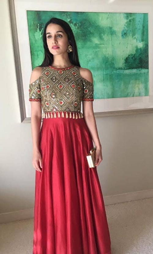 The New Trend That Is Catching Up Wearing Cold Shoulder Style In Ethnic Clothes You Can Combine Mirror Work And Tops To Wear A