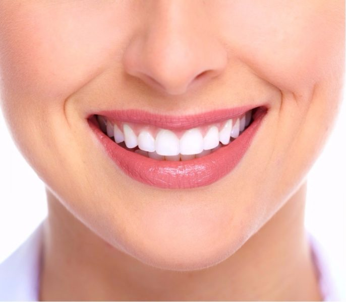 5 Simple Ways To Whiten Your Teeth
