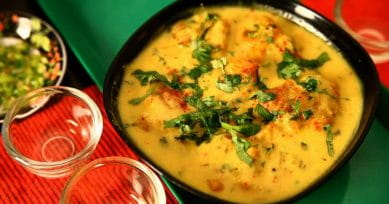 Punjabi Tadka: Traditional Pakoda Kadhi