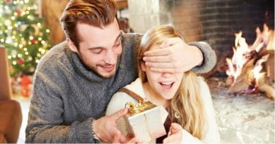 5 Christmas Gifts To Surprise Your Partner With
