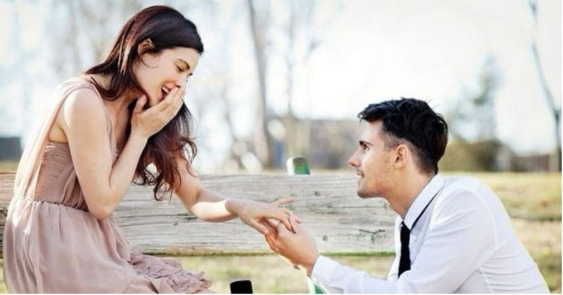 5 Things That Go On In A Guy's Mind Right Before They Propose