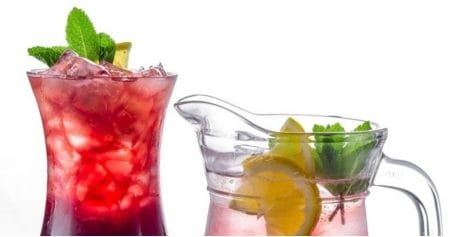 5 Drinks That Will Help You Get A Flat Stomach
