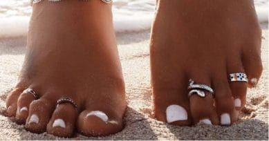 5 Types Of Toe Rings To Rock With Casuals