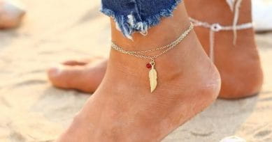 5 Casual Anklets You Can Flaunt With Denims