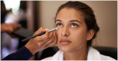 5 Tips To Get A Flawless Look Using A Concealer