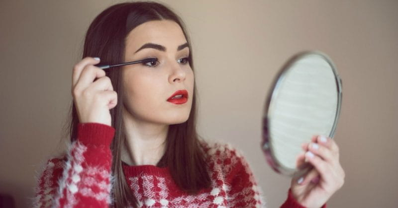 5 Make-up Tips When You're On The Move