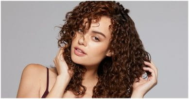 Effective Tips For Frizz-Free Hair This Winter