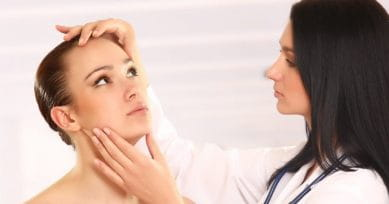 5 Signs You Need A Dermatologist