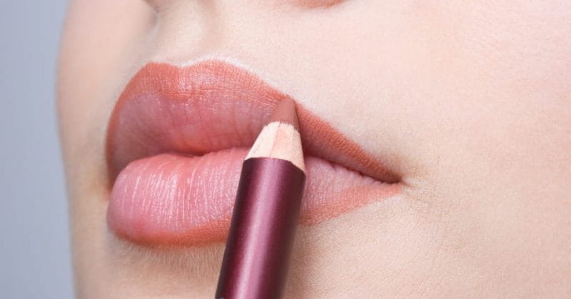 4 Reasons Why Lip-Lining Is A Must!