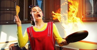 5 Foods To Treat Cooking Burns From The Kitchen