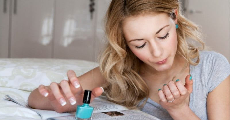 5 Hacks To Dry Your Nail Polish Instantly