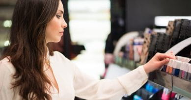How To Be An Expert At Buying Cosmetics